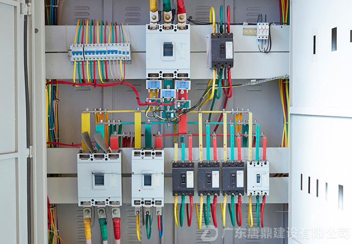 机电安装工程配电柜内部